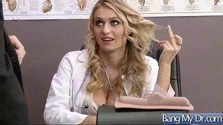 سكس جسم نار نيك دكتورة ممحونة على زب طويل في العيادة فيلم عربي xxx