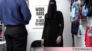 نيك محجبات خليجي في المزرعة جنس المنزل العربي في Pornwap.tv